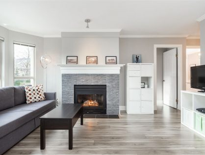 {:en}207-3615 W 17th Ave Condo For Sale Vancouver MLS Dunbar{:}{:zh}温哥华西区Dunbar公寓出售 | 温哥华房地产 | 温哥华买二手房{:}