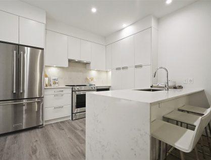 {:en}311-700 Clarke Rd Condo Assignment For Sale Coquitlam MLS Listings{:}{:zh}高贵林公寓楼花转让出售 | 高贵林房价,高贵林公寓价格{:}