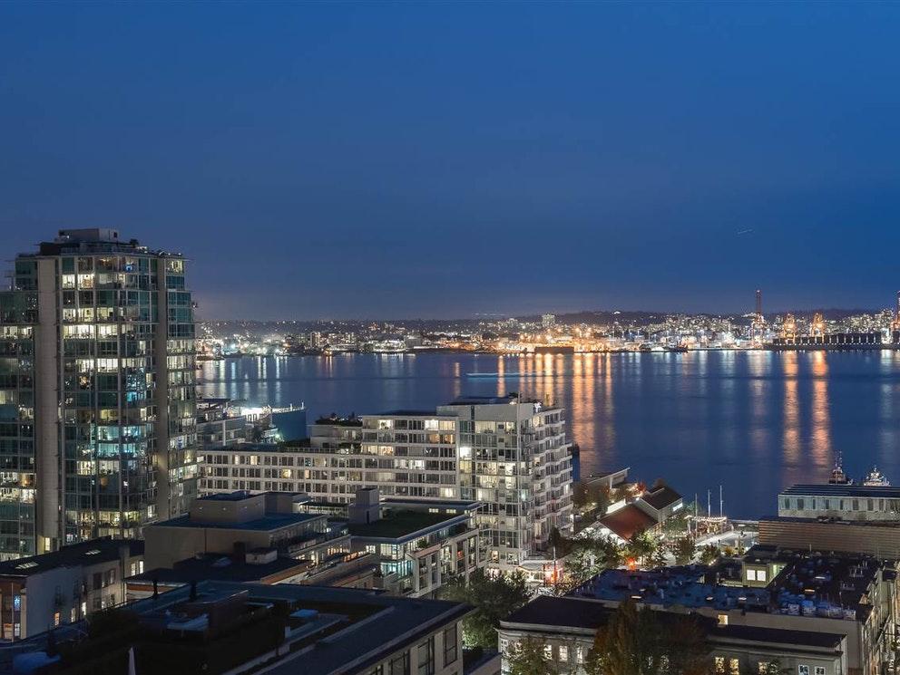 加拿大房地产价格在2021第二季度见顶