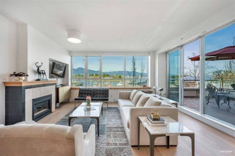L302 1550 Coal Harbour, Luxury Condo For Sale Vancouver, BC